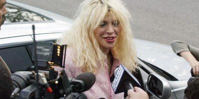 """""""Durante años la Sra. Cobain ha sido objeto público de amenazas basadas en el mismo tipo de teorías que sin fundamentos aparecen en la película. Dar difusión al filme exarcebaría el riesgo de que sufra otro daño emocional y financiero"""", se lee en otro fragmento de la carta. Foto:Getty Images"""