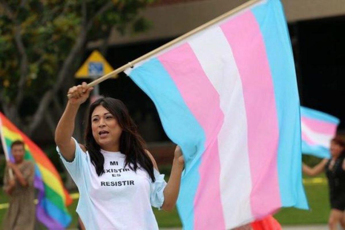 Es activista social por los derechos de la comunidad LGBT Foto:Twitter.com/JennicetG