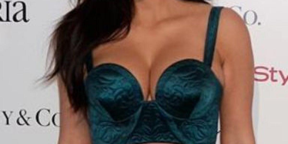FOTOS: Esto pasa cuando las famosas usan ropa que no es de su talla