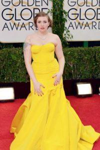 No es justo que Lena Dunham arruine un Zac Posen de esa manera. El torso parece a punto de escaparse del vestido. O algo. Foto:vía Getty Images