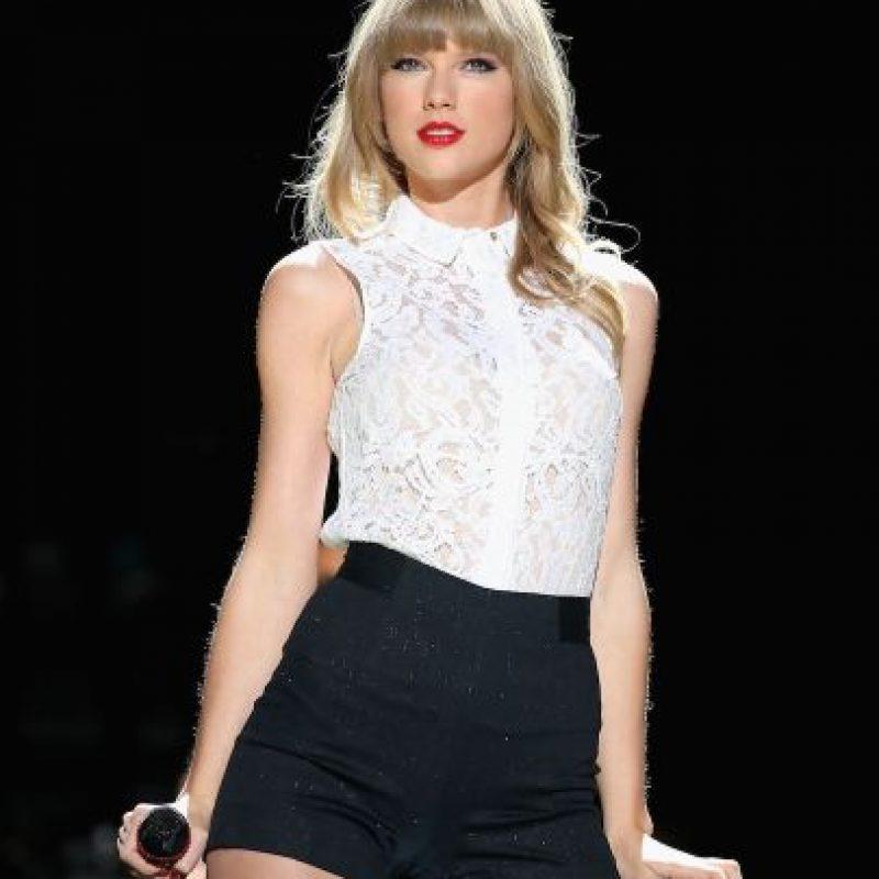 La cantante fue descubierta a los 11 años cuando cantó el himno nacional de los Estados Unidos en la apertura de un partido de basquetbol. Foto:Getty Images