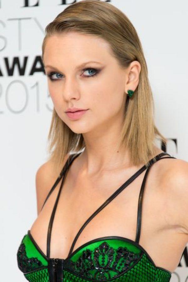 """El mago Franz Harary """"cortó"""" a Taylor por la mitad durante un espectáculo. Foto:Getty Images"""