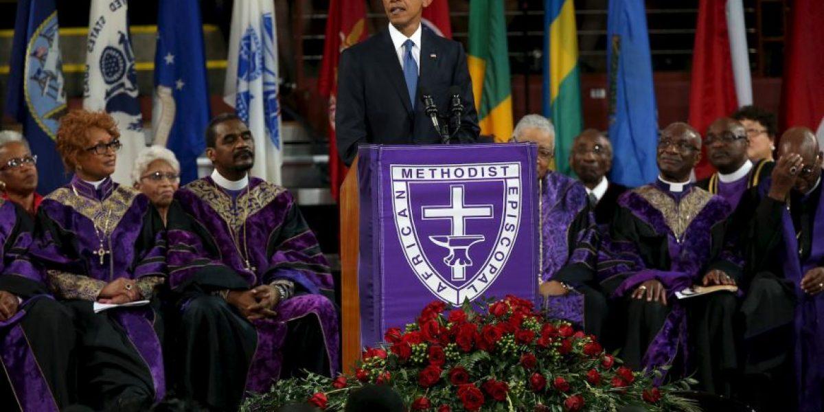 Barack Obama homenajea a víctima de balacera en iglesia de Charleston