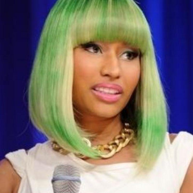 Nicki. Pelucas no. Y si no son pelucas parecen camiseta de hippie. Foto:vía Getty Images