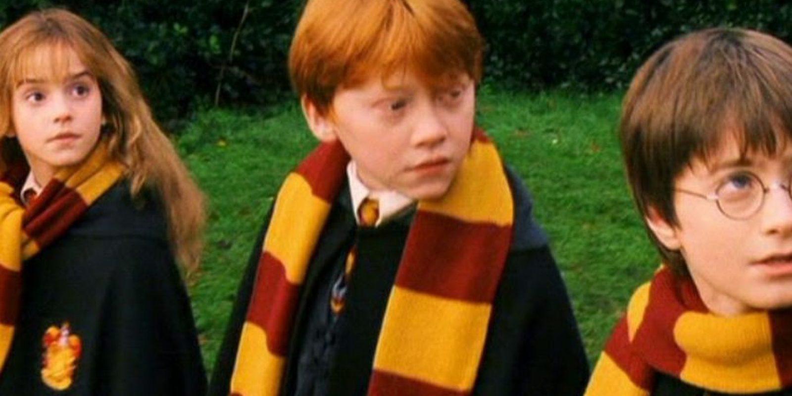 Richard Harris aceptó el papel de Albus Dumbledore, porque su nieta le advirtió que no le volvería a hablar si no lo hacía Foto:Warner Bros