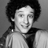 """El actor también participó en """"Salvador por la campana, los años en la universidad"""", la cual solo duró un año Foto:NBC"""