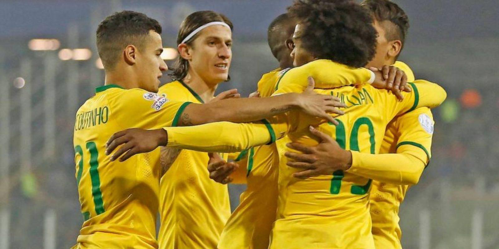 Brasil se clasificó primero en el grupo C. Foto:Vía www.facebook.com/CBF