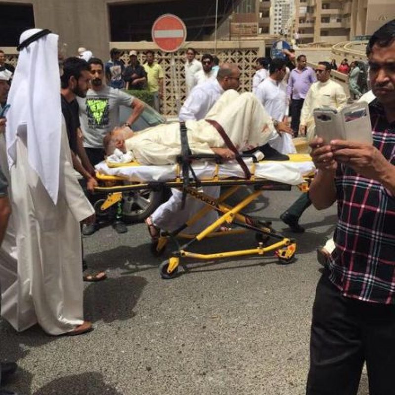 6. Alrededor de dos mil personas estaban en la mezquita al momento del atentado. Foto:AP