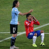 Además, Cavani fue exhibido por Gonzalo Jara en el duelo de cuartos de final de la Copa pues el chileno le metió el dedo en el recto y el uruguayo respondió con una bofetada por lo que fue expulsado. Foto:AFP