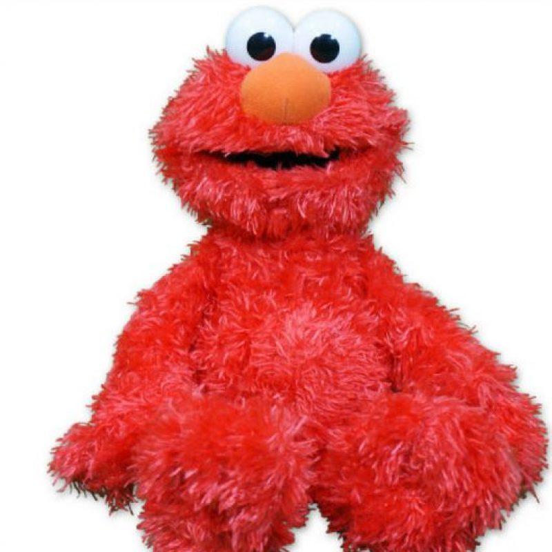 """Elmo Cosquillas: pareciera increíble que este muñeco tan popular fuera poseído, pero en 2008, la familia Bowman dio con un peluche """"asesino"""". Foto:vía Fischer Price"""