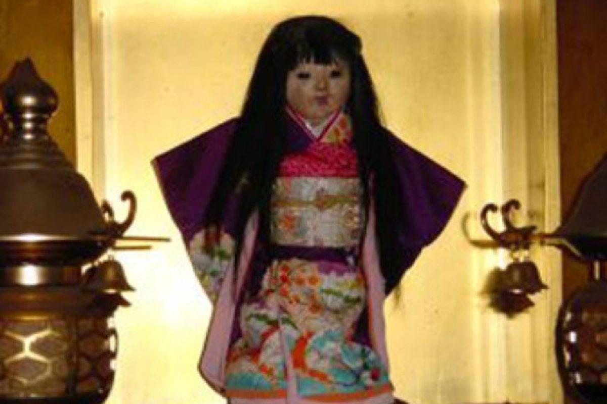 Okiku: supuestamente iba a ser quemada junto con su propietaria, pero sobrevivió. Foto:vía The Paranormal Guide