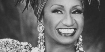 """Un testimonio del Ministerio Evangelístico Bajo el Poder del Espíritu Santo mostró en 2012 que la cantante Celia Cruz estaba en el infierno. Que por """"santera y satánica"""" estaba en el Infierno. Supuestamente estaba bailando encima de unos clavos. Foto:vía Getty Images"""