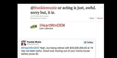 """Un troll le dijo a Frankie Muniz: """"Tu actuación es realmente rara. Lo siento, pero así es"""". A lo que Frankie respondió: """"Sí, pero estar retirado con 40 millones de dólares a los 19 años no es tan raro. Buena suerte mudándote desde la casa de tu madre a los 35."""" Foto:vía Twitter"""