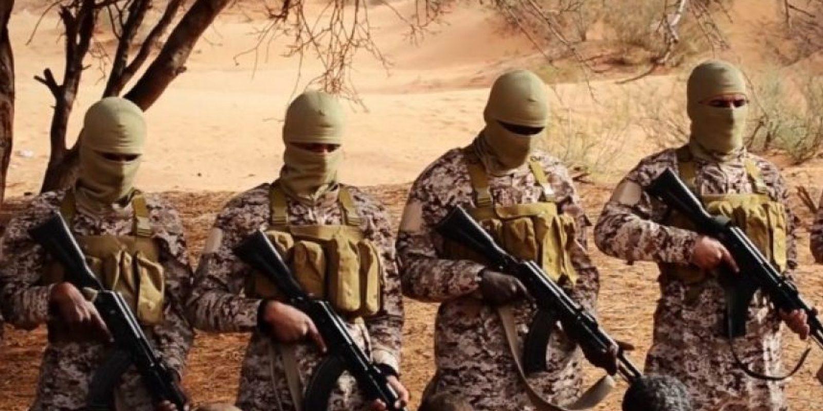 El grupo yihadista cuenta con cerca aliados de una veintena de otros grupos extremistas, sobre todo en países fuera de Iraq y Siria, donde tiene su mayor poder. Entre estos se encuentran: Boko Haram, en Nigeria; Soldiers of Caliphate en Algeria e Islamic Youth Shura, en Libia. Foto:AP