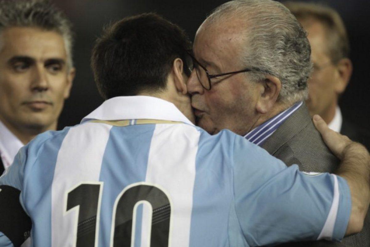 Un año después del primer título de Argentina en un Mundial, 1979, tomó las riendas de la AFA. Foto:Getty Images
