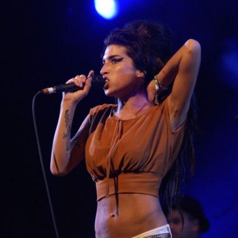 El momento quedó inmortalizado cuando la cantante asistió a la fiesta de cumpleaños de su amiga. Foto:Getty Images
