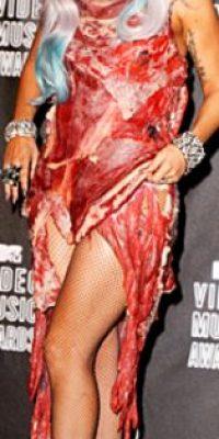 Lady Gaga con su famoso vestido de carne. Foto:vía Getty Images