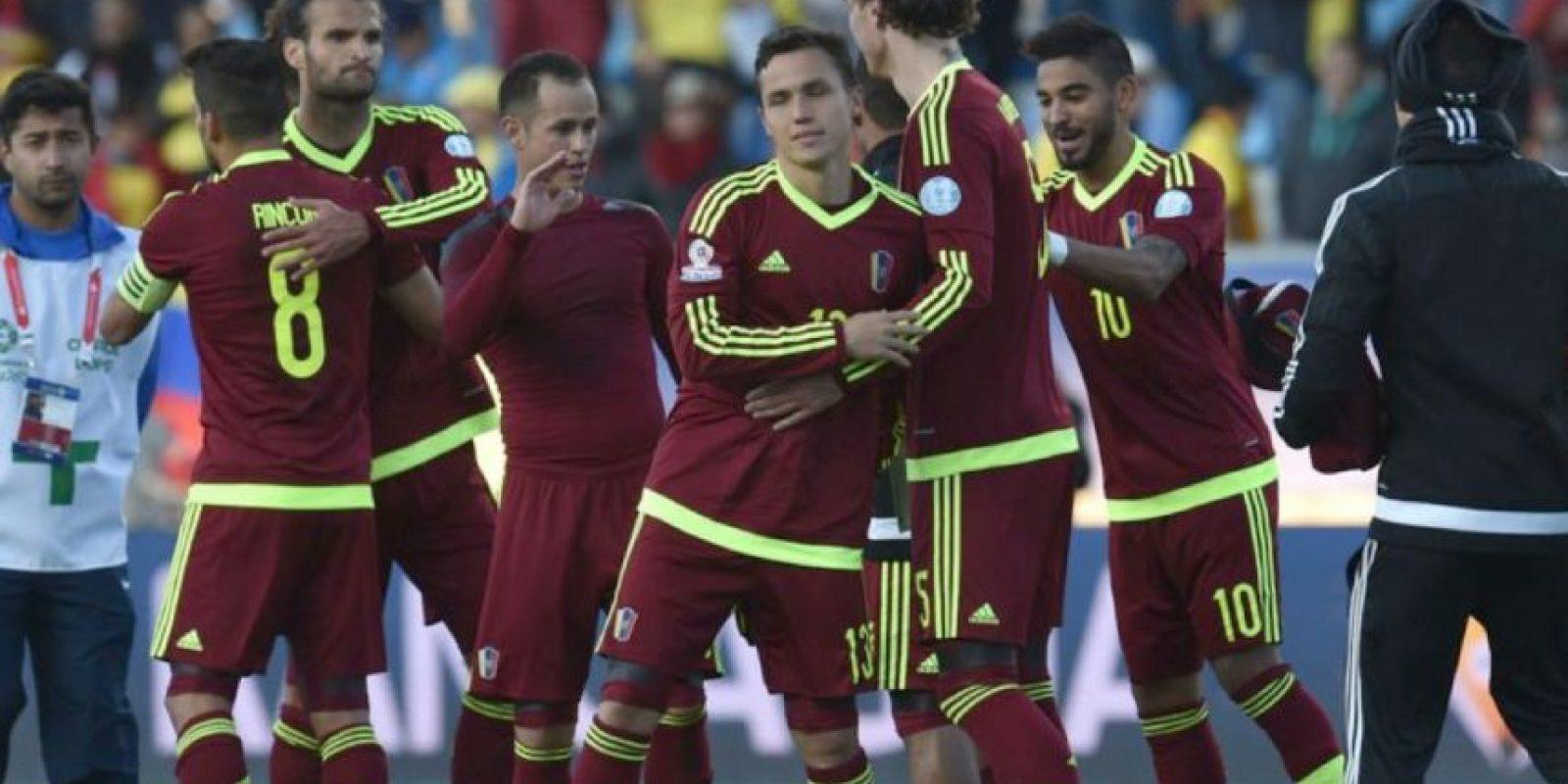 """La """"Vinotinto"""", eliminada en primera ronda, cometió una falta más que Argentina, 53. Foto:AFP"""