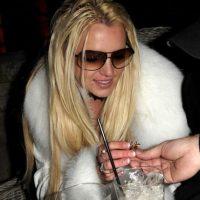 """Posteriormente saltó a la fama como la """"Princesa del pop"""", pero en 2008 su relación con las drogas, un desorden alimenticio y problemas mentales la llevaron a una clínica psiquiátrica. Foto:Getty Images"""