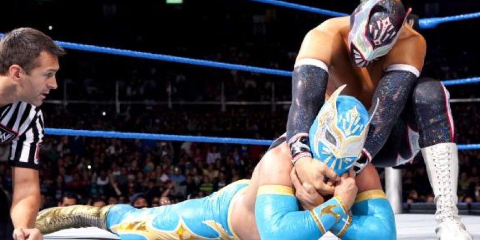 Sin Cara y Sin Cara Maldad Foto:WWE