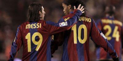 """Fue tanto el cariño que tuvieron ambos, que """"Dinho"""" presentaba a Messi como su hermano menor. Foto:Getty Images"""