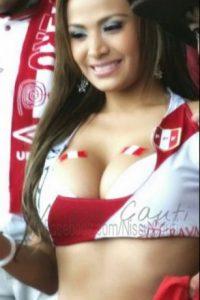 """También es conocida como la """"JLo Peruana"""" Foto:Vía twitter.com/CautiNissu"""