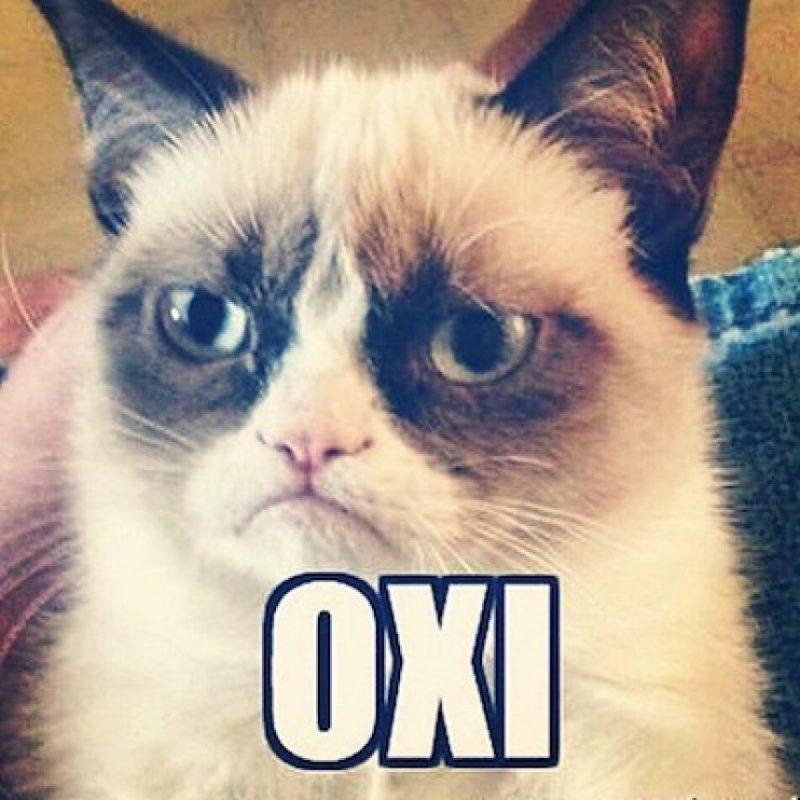 """1. #OXI: Significa """"No"""" en griego y es una campaña para rechazar, a través del referéndum convocado por Tsipras, las propuestas realizadas por la Troika, que incluyen aumento de impuestos y recorte al gasto social. Foto:Instagram.com/nikovasiloff"""
