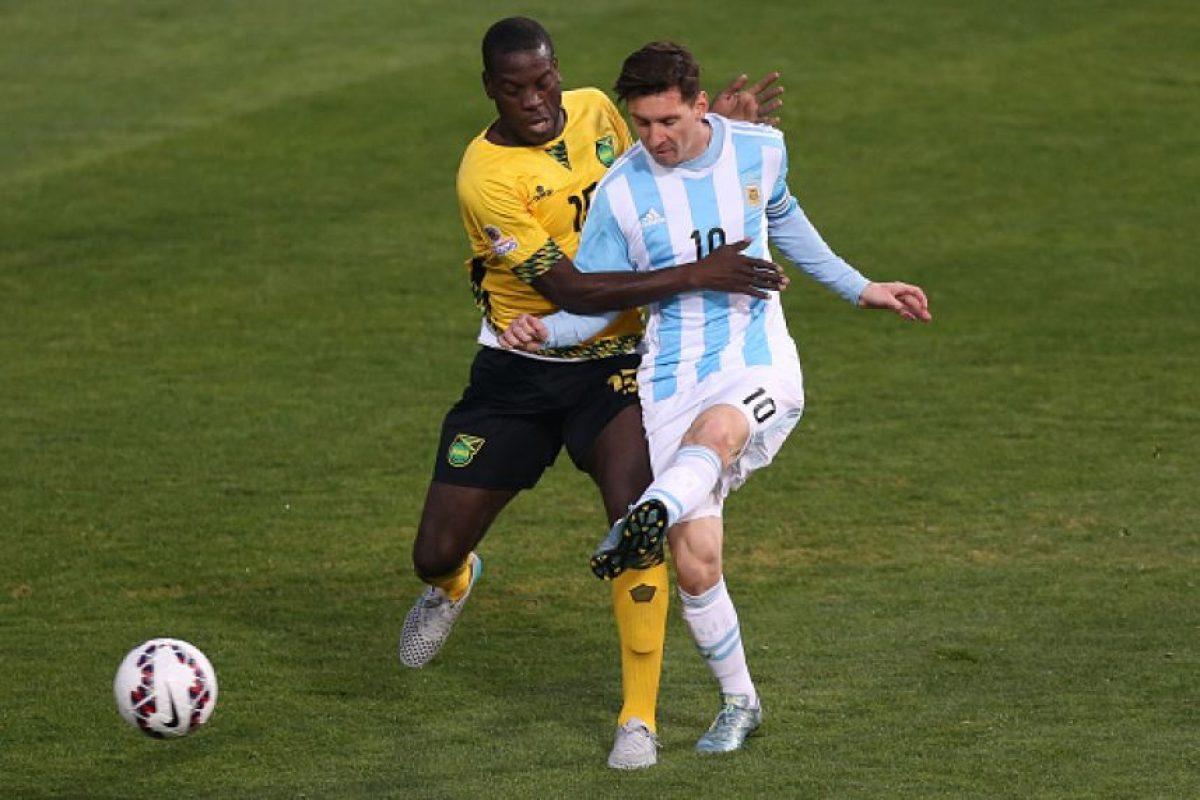 En general, toda la selección de Jamaica podría ser una relegación, pero Lance Laing era uno de los futbolistas de los que se hablaba un poco más que de el resto. El jugador del Edmonton de la NASL tuvo acción en los 3 partidos, dos de ellos como sustituto y su efectividad en pases fue del 60.9%. Foto:Getty Images