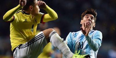 El defensa colombiano tuvo una actuación discreta en el torneo. Jugó en sólo dos partidos y lo hizo como titular. Su efectividad en pases fue de 72.6% e hizo 7 recuperaciones de balón. Foto:Getty Images