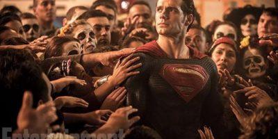 """""""Superman"""" nace en el planeta """"Krypton"""". Sus padres lo enviaron en una nave espacial con destino a la Tierra cuando era niño, momentos antes de la destrucción de su planeta. Foto:Twitter/EW"""