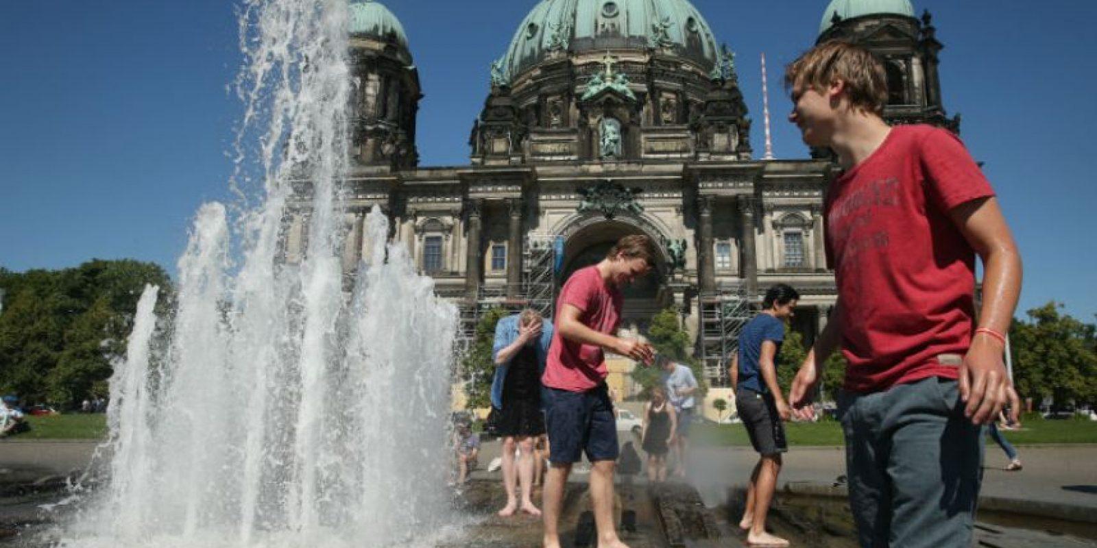 Las fuentes son un buen recurso para terminar con el calor. Foto:Getty Images