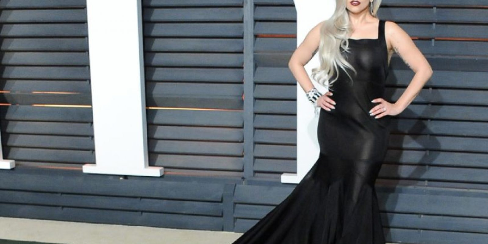 Un vestido negro para ser la versión gótica de Jessica Rabbit. Foto:vía Getty Images