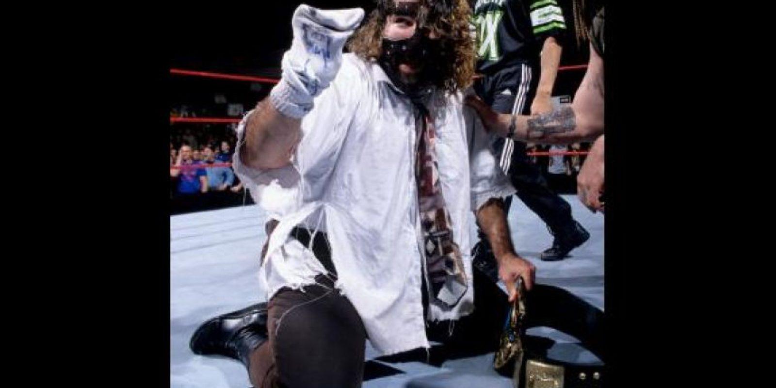 Mick Foley indicó en sus redes sociales quién es su peleador favorito Foto:WWE