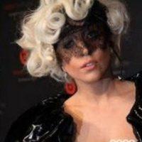 Y Lady Gaga, con un atuendo similar. Foto:vía Listal
