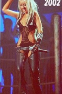 Christina Aguilera, en cuero transgresor. Foto:vía Listal