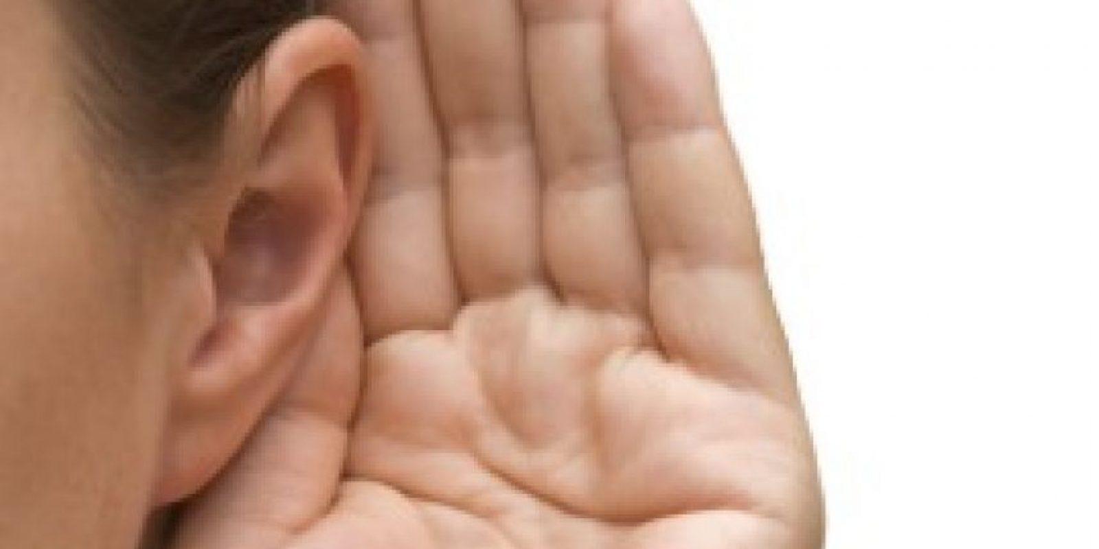 El oído derecho es genial para escuchar cuando en el ambiente hay mucho ruido. Así que si quieren escuchar conversaciones que hacen los demás en voz baja, preparen su oído derecho. Foto:Wikimedia