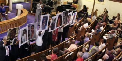 Dentro de la Iglesia Africana Metodista Episcopal Emanuel, dejando nueve muertos. Foto:AFP