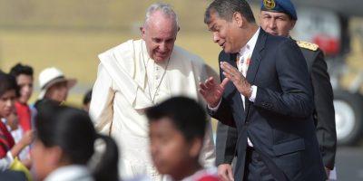 El presidente, Rafael Correa, fue quien se encargo de recibirló. Foto:AFP
