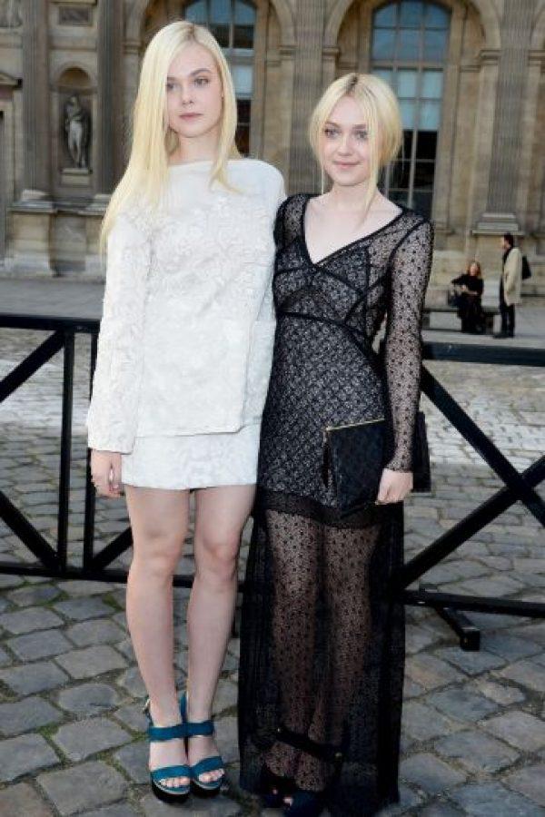 Dakota tiene 21 años y Elle 17 Foto:Getty Images