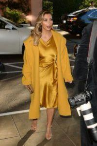"""Kim Kardashian: habló sobre las burlas de sus críticos con Marie Claire, diciendo """"puede ser que tenga un poco de celulitis. Puede ser que mi cuerpo no esté completamente tonificado. Puede ser que batalle con ciertas partes de mi cuerpo. Pero aceptarlo me da más poder"""". Foto:vía Getty Images"""