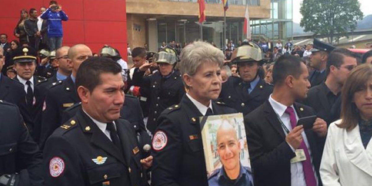 FOTOS: El conmovedor homenaje a bombero que se suicidó