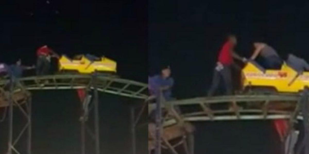 VIDEO: Jóvenes quedaron atrapados en montaña rusa de Barranquilla