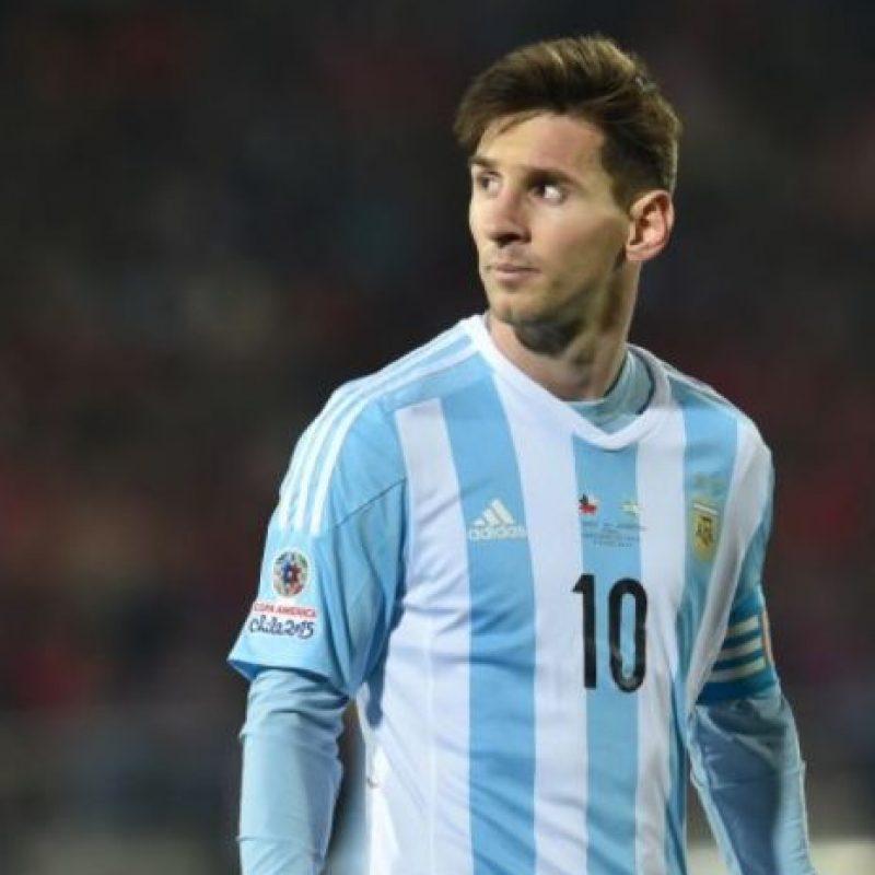 Por ello, comenzaron a dedicarles varios insultos a la familia del Argentino. Foto:vía AFP