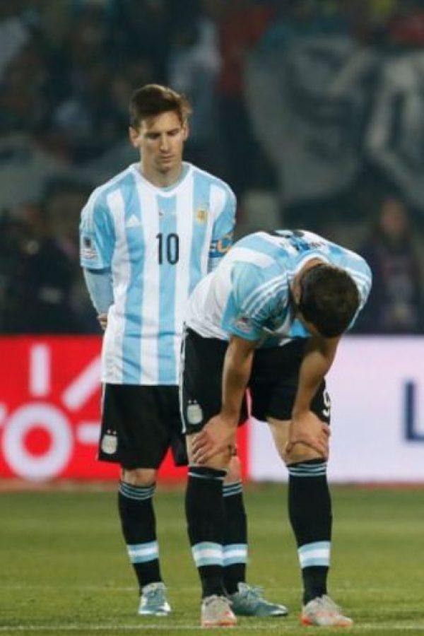 El diplomático retiró a la familia de Messi de las gradas y los trasladó a un palco para que vieran el partido cómodamente. Foto:vía AFP