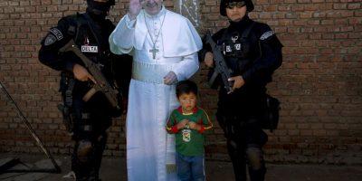 Una imagen del Papa fue instalada en el centro, donde todos pudieron fotografiarse Foto:AP