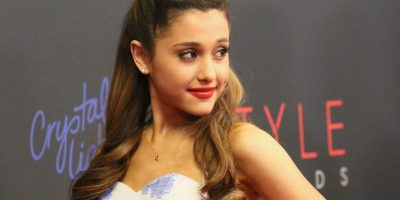 Por lo que la joven de 22 años tuvo que disculparse a través de su cuenta de Twitter. Foto:Getty Images