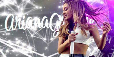 """Ariana Grande y su bailarín, Ricky Álvarez, fueron captados lamiento donas en """"Wolfee Donuts"""". Foto:Getty Images"""