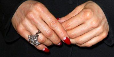 La diva y exesposa de Marilyn Manson luce estas manos. Foto:Getty Images