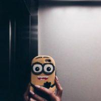 Y estuches para smartphones… Foto:vía Instagram