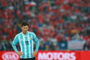 """Tras la final, Messi expresó: """"No hay nada más doloroso en el fútbol que perder una final, pero no quiero que pase más tiempo sin darles las gracias a todos los que nos apoyaron siempre y nos siguieron bancando en los momentos difíciles"""". Foto:Getty Images"""